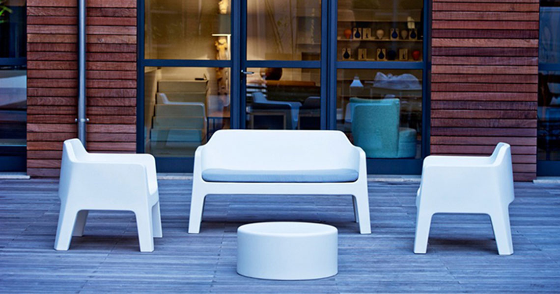 contemporary outdoor plastic furniture