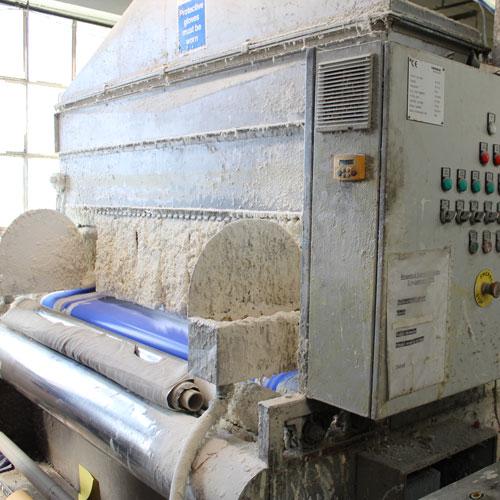 Fabric treatment machine
