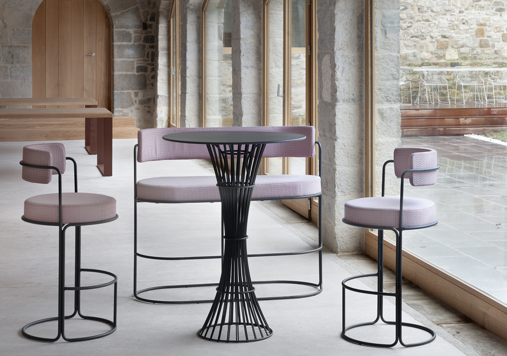 bolonia table imm cologne